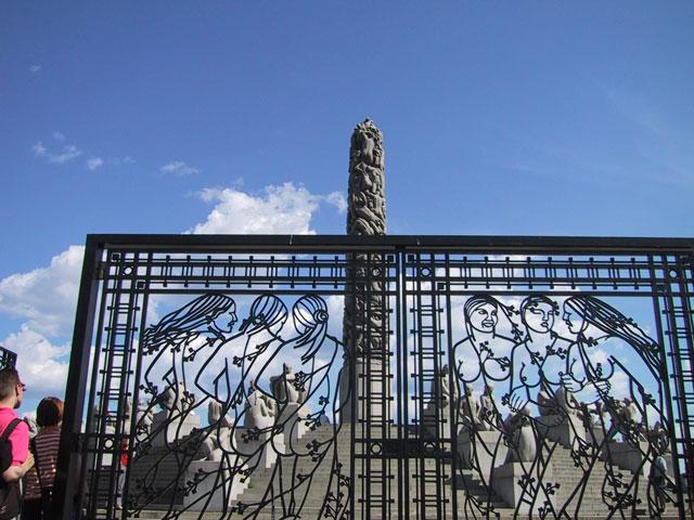 Осмотрим причудливые формы искусства в парке Вигеланда и проникнемся символизмом центральной скульптуры