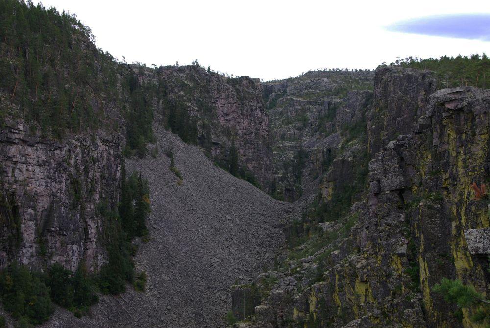 Один из крупнейших в Северной Европе каньонов — Ютулхоггет