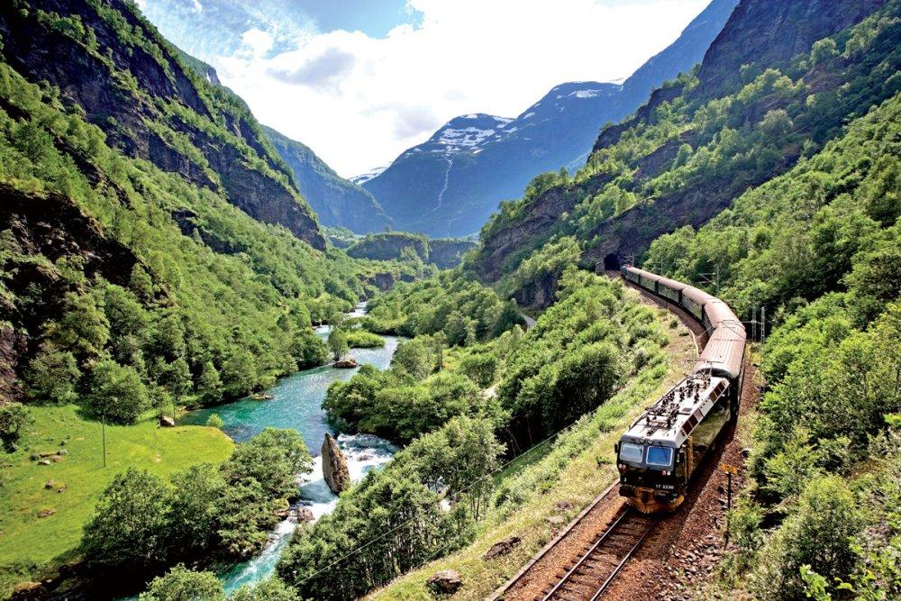 Живописная Фломская железная дорога