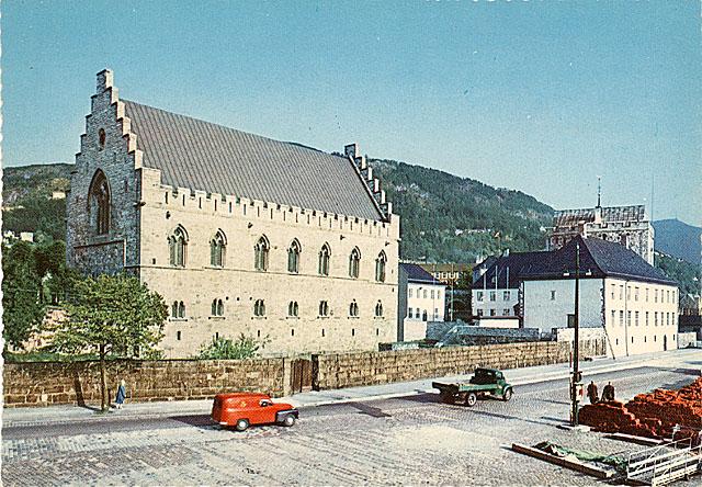 Замок Хоконсхаллен по-прежнему хранит средневековые тайны